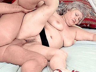 BBW Mature Takes Cock Filling in her Snatch